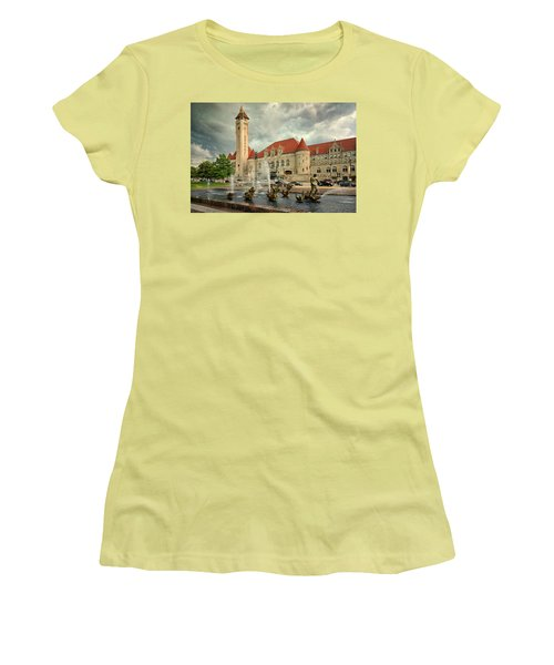 Union Station St Louis Color Dsc00422 Women's T-Shirt (Junior Cut) by Greg Kluempers
