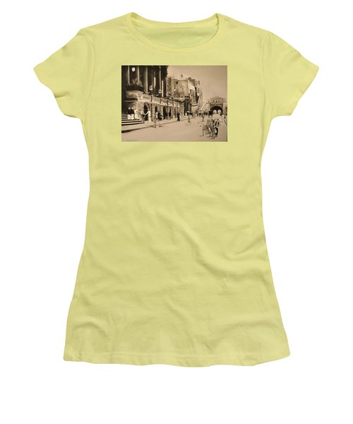 Valletta Entrance 1935 Women's T-Shirt (Athletic Fit)