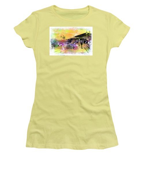 Valley Wells California Women's T-Shirt (Athletic Fit)