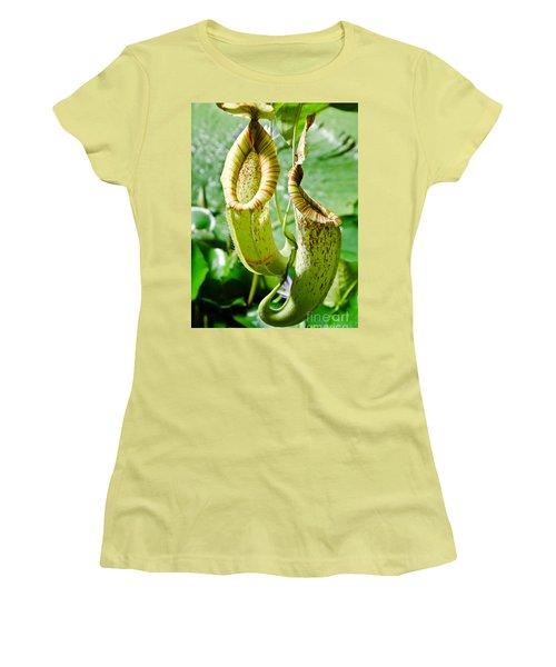 Venus Fly Catcher Women's T-Shirt (Athletic Fit)