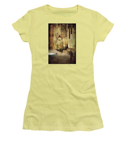 Vicolo Chiuso   Closed Alley Women's T-Shirt (Junior Cut)