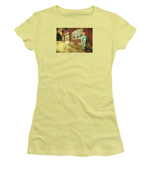 Women's T-Shirt (Junior Cut) featuring the photograph Vincent Van Gas by Trina Ansel