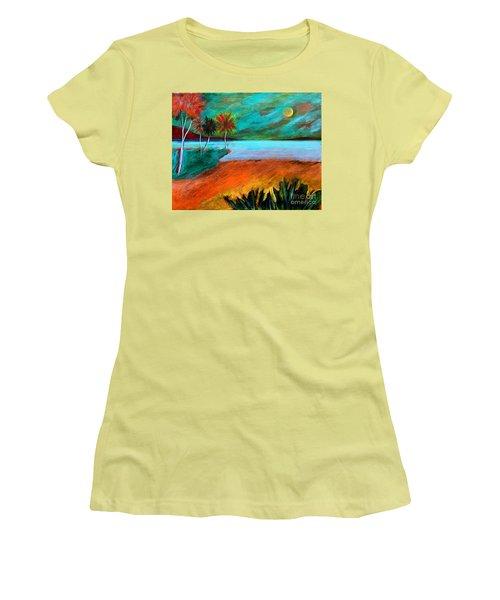 Vinoy Park Twilight Women's T-Shirt (Athletic Fit)