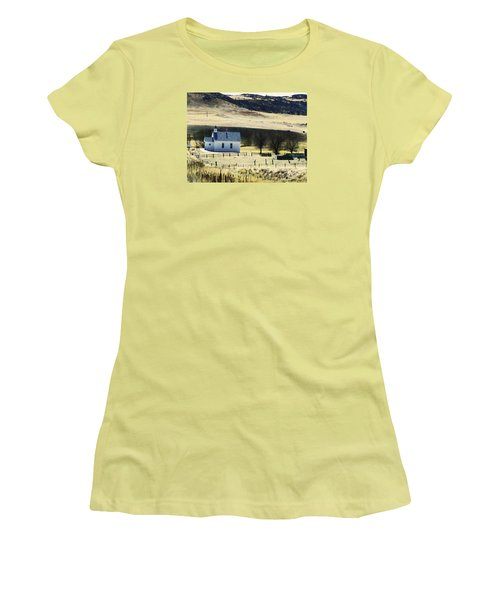 Virginia Dale Colorado Women's T-Shirt (Athletic Fit)