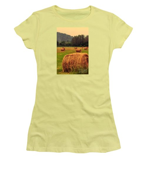 Virginia Evening Women's T-Shirt (Athletic Fit)
