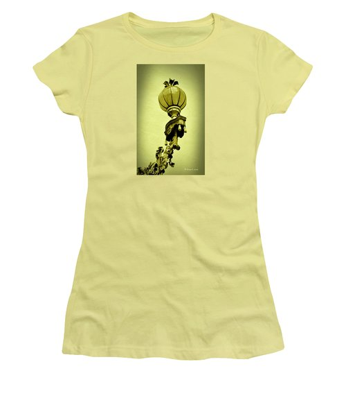 Vizcaya Lamp Women's T-Shirt (Junior Cut) by Edgar Torres