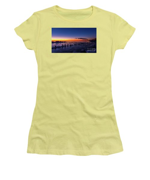 Voilet Morning Women's T-Shirt (Athletic Fit)
