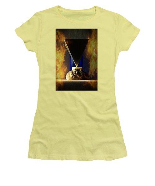 VS Women's T-Shirt (Athletic Fit)