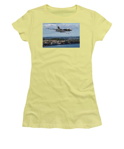 Vulcan Bomber Xh558 Dawlish 2015 Women's T-Shirt (Athletic Fit)
