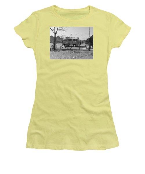 Vw Oldie Women's T-Shirt (Junior Cut) by Andy Langemann