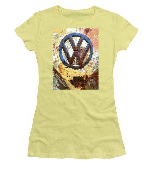 Vw Volkswagen Emblem With Rust Women's T-Shirt (Athletic Fit)