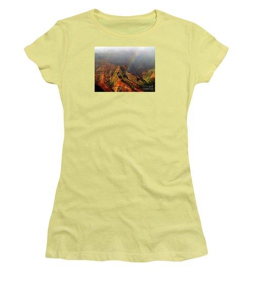 Waimea Canyon I Women's T-Shirt (Junior Cut) by Patricia Griffin Brett