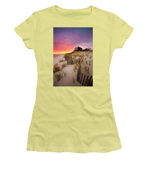 Wainscott Sunset Women's T-Shirt (Athletic Fit)