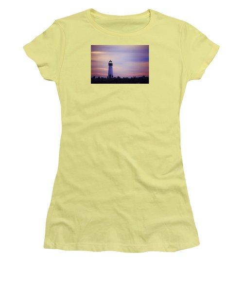 Walton Lighthouse Women's T-Shirt (Athletic Fit)