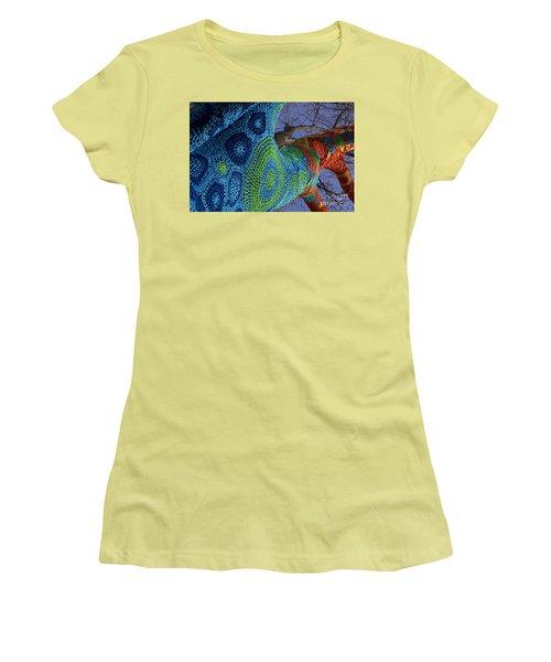 Warm Wrap Women's T-Shirt (Athletic Fit)