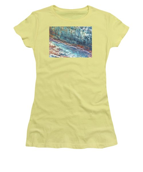 Weathered Women's T-Shirt (Athletic Fit)
