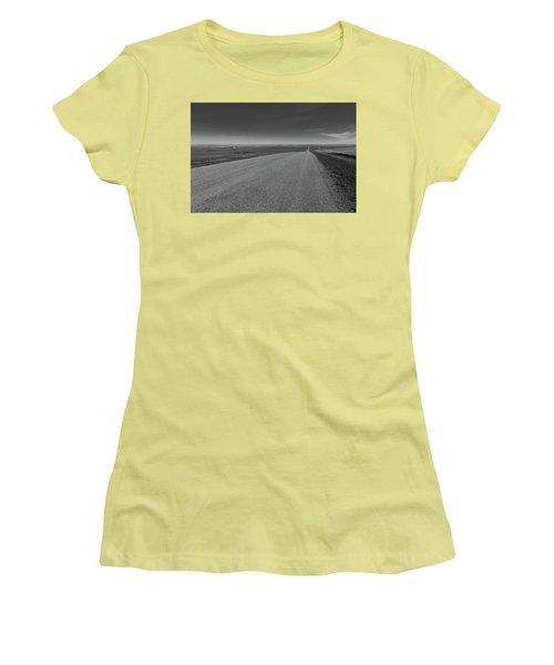 Western Sunrise Women's T-Shirt (Athletic Fit)