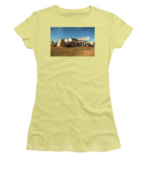 Wigwam Motel Women's T-Shirt (Junior Cut)