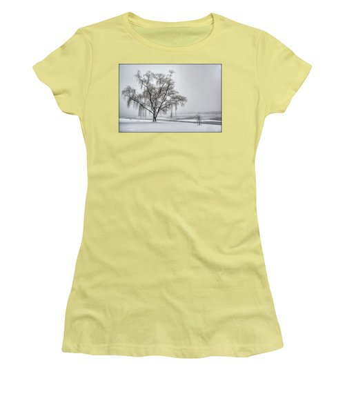Willow In Blizzard Women's T-Shirt (Athletic Fit)