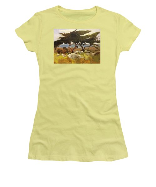 Wind Blown Women's T-Shirt (Athletic Fit)