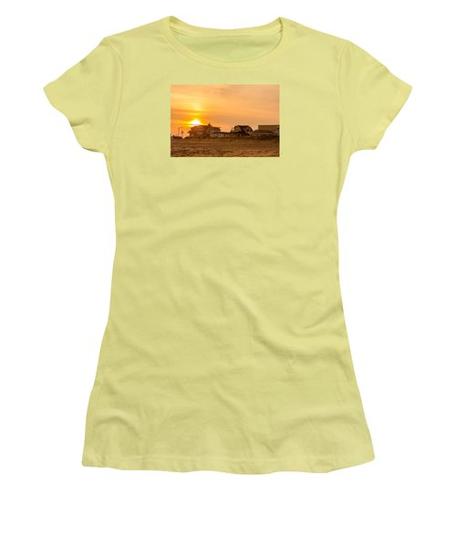 Winter Shore Sunset Women's T-Shirt (Athletic Fit)
