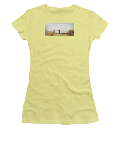 Winter Surfing Women's T-Shirt (Athletic Fit)