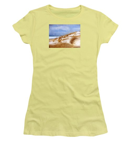 Wintertime St. Joe Lighthouse  Women's T-Shirt (Athletic Fit)