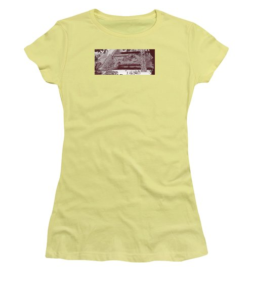Yavin Temple Women's T-Shirt (Athletic Fit)