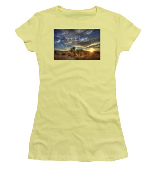 Yucca Sunset Women's T-Shirt (Athletic Fit)