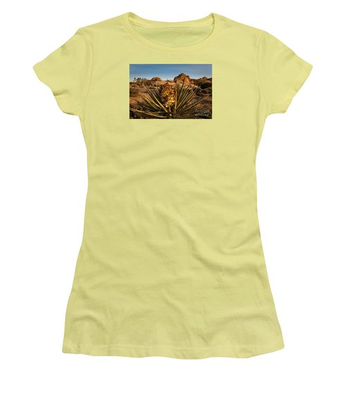 Yucca Bloom Women's T-Shirt (Athletic Fit)