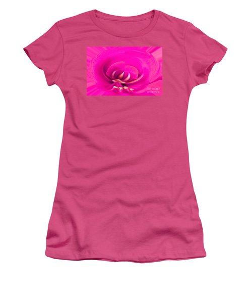 Women's T-Shirt (Junior Cut) featuring the photograph Amaryliss Close-up by Les Palenik