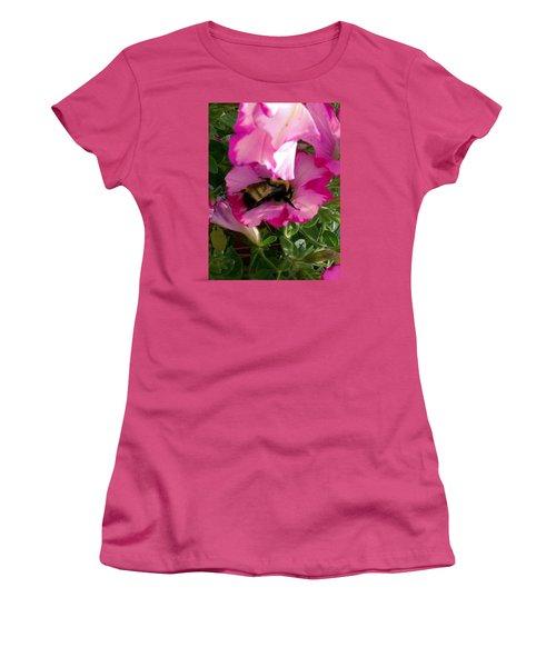 Busy Bumble Bee Women's T-Shirt (Junior Cut)