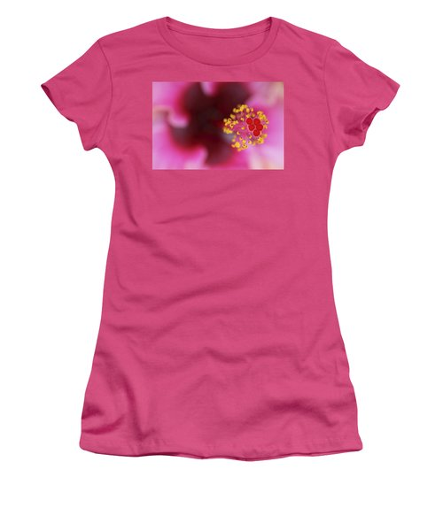 Extreme Hibiscus Women's T-Shirt (Athletic Fit)