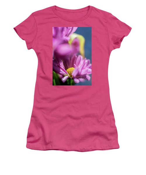 Gerber Daisy In Purple Women's T-Shirt (Athletic Fit)