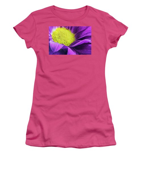 Purple Daisy In The Garden Women's T-Shirt (Athletic Fit)