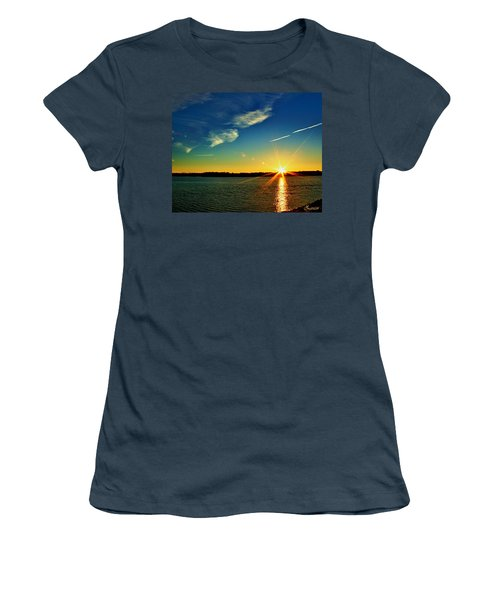 Gc Lake Sunrise Women's T-Shirt (Junior Cut)