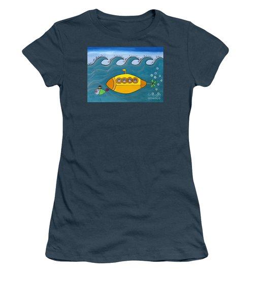 Lets Sing The Chorus Now - The Beatles Yellow Submarine Women's T-Shirt (Junior Cut)