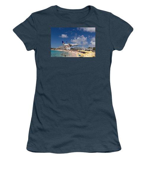 United Low Approach St Maarten Women's T-Shirt (Junior Cut) by David Gleeson