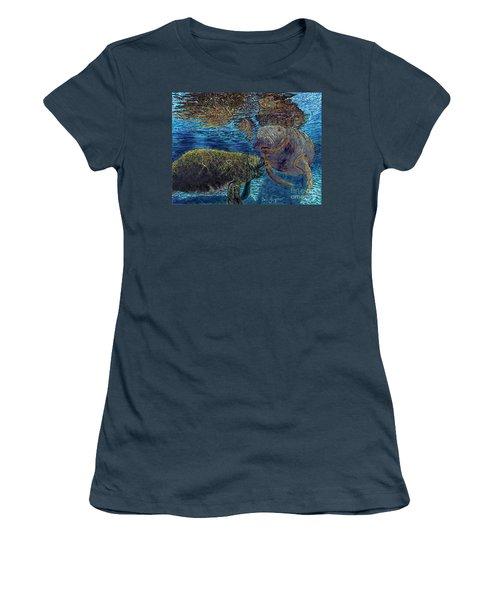 Manatee Motherhood Women's T-Shirt (Junior Cut)