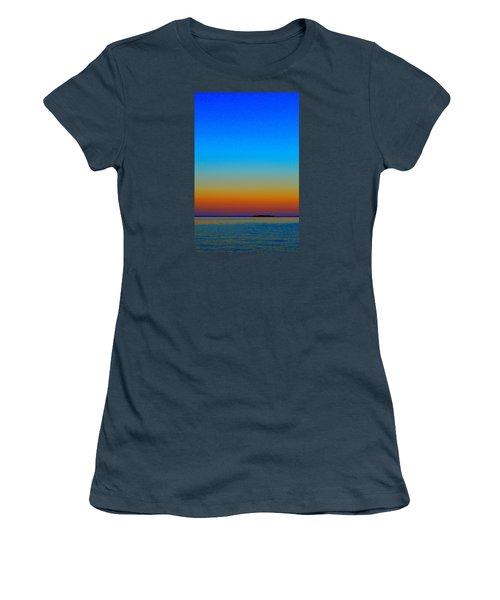 Women's T-Shirt (Junior Cut) featuring the photograph Sunset Blend South East 3  by Lyle Crump