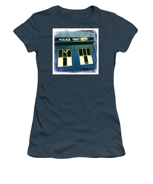 Tardis Dr Who Women's T-Shirt (Junior Cut) by Nina Prommer