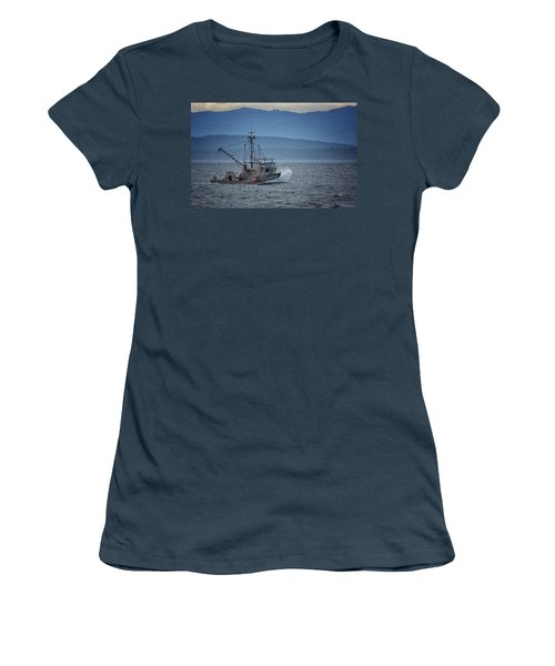 Women's T-Shirt (Junior Cut) featuring the photograph Western Sunrise by Randy Hall