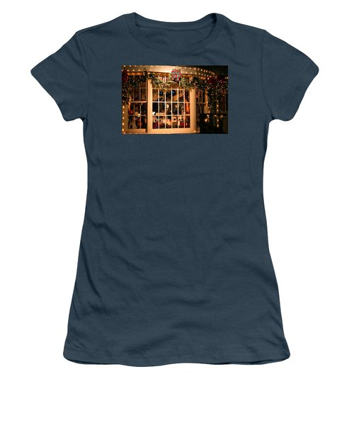 Window Shopping Women's T-Shirt (Athletic Fit)