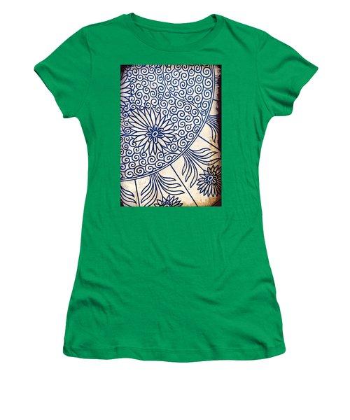 Blue Oriental Vintage Tile 01 Women's T-Shirt (Athletic Fit)