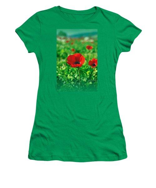 Red Anemone Coronaria T-shirt Women's T-Shirt