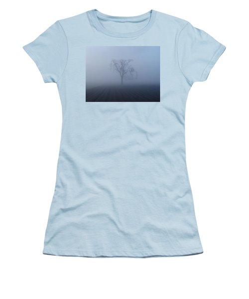 Garry Oak In Fog  Women's T-Shirt (Athletic Fit)
