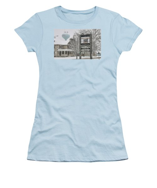 The Whitehouse Inn Sign 7034 Women's T-Shirt (Athletic Fit)