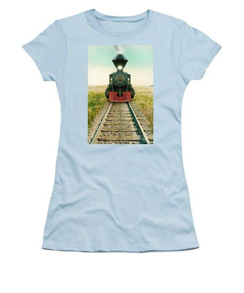 Vintage Train Engine Women's T-Shirt (Athletic Fit)