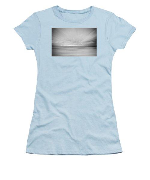 7 Mile Bridge 10 Women's T-Shirt (Athletic Fit)