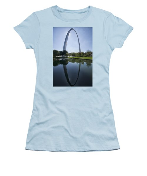 Arch Reflection Women's T-Shirt (Athletic Fit)